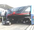 أخيرا الصين تطلق حافلة معلقة تمر فوق السيارات Bus