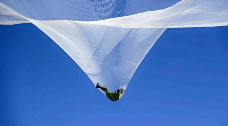 أول رجل يقفز على ارتفاع 7 كيلومتر دون مظلة (فيديو) Jumping (2)