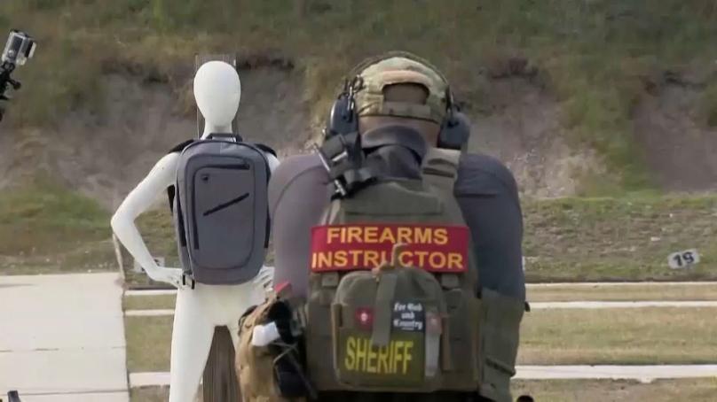 حقائب مدرسية مضادة للرصاص!