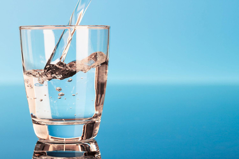هل من مضرة في شرب الماء ؟!