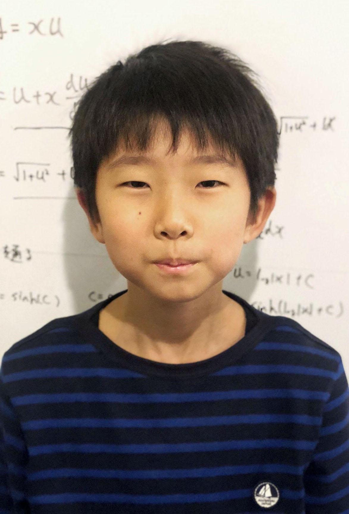 طفل ياباني يصبح عالما في الرياضيات!