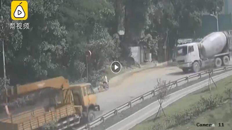 فيديو مرعب لحادث سير قاتل!