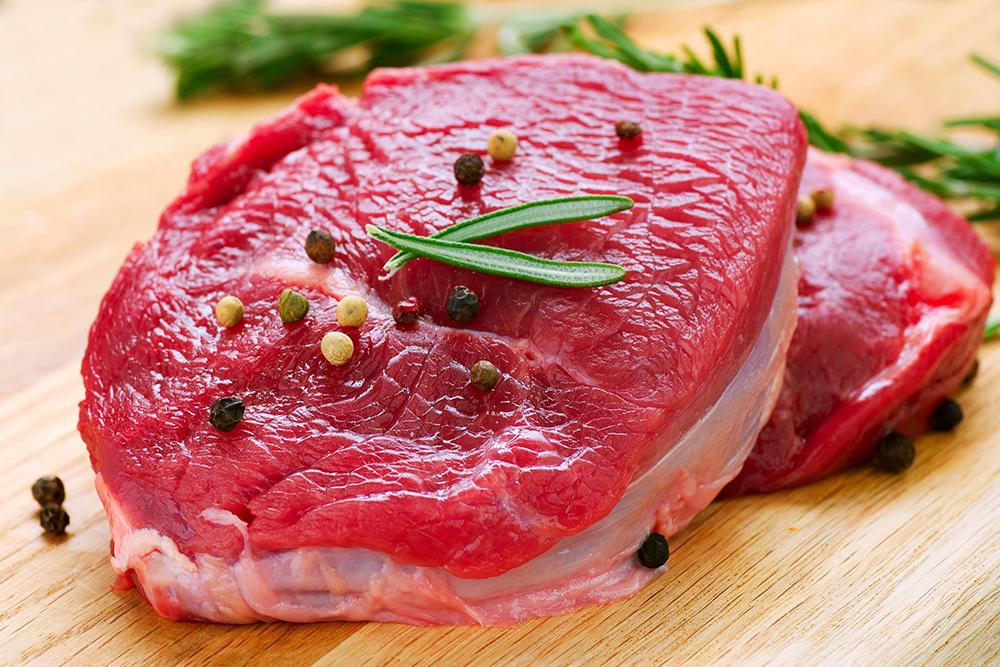 كيف يتأثر جسمك إذا توقفت عن تناول اللحوم الحمراء؟