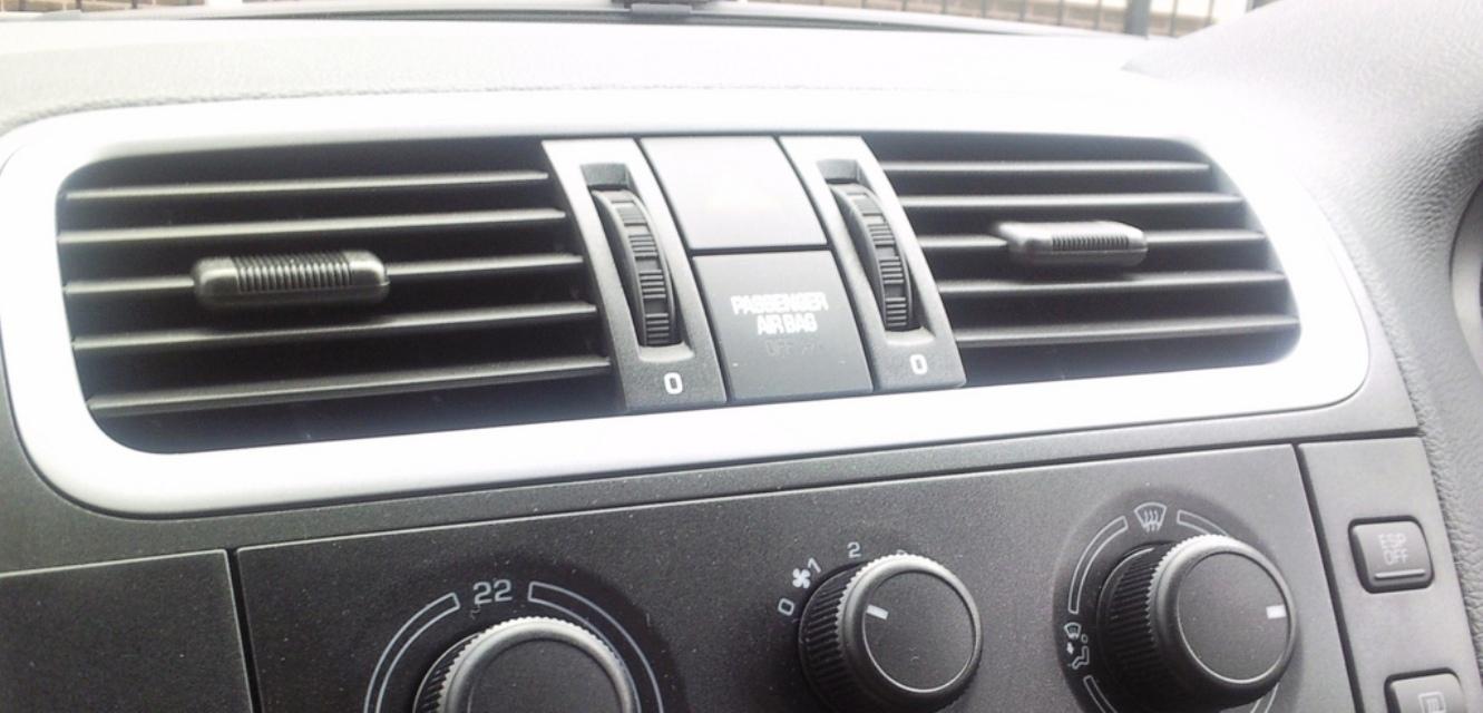 لهذا السبب النوم في السيارة مع تشغيل المكيف يسبب الموت Automobile air conditioning