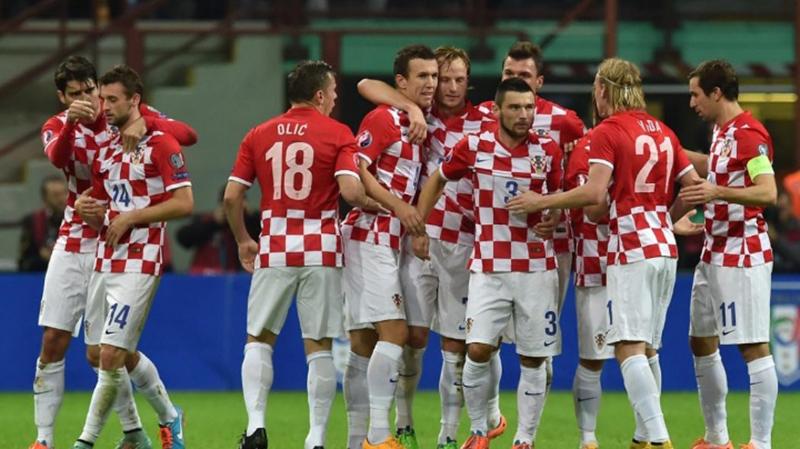 ما السر وراء نهاية أسماء لاعبي كرواتيا بـ إيتش ؟