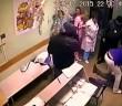 هكذا قام طبيب روسي Russian doctor بقتل مريضه بلكمة واحدة - فيديو