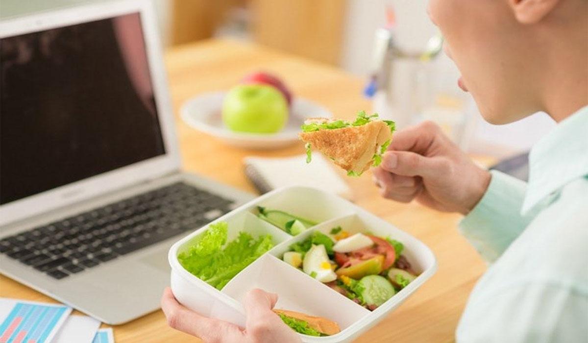 لا تمانع في مشاركة وجبات الطعام لهذا السبب!