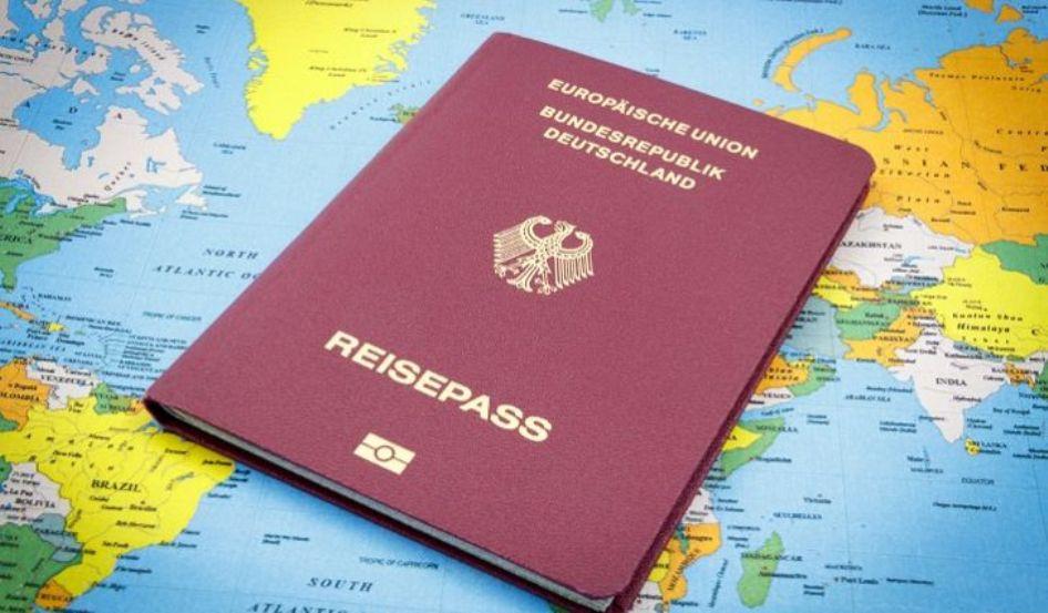 10 جوازات تمنح لك حرية التنقل بلا قيود Travel