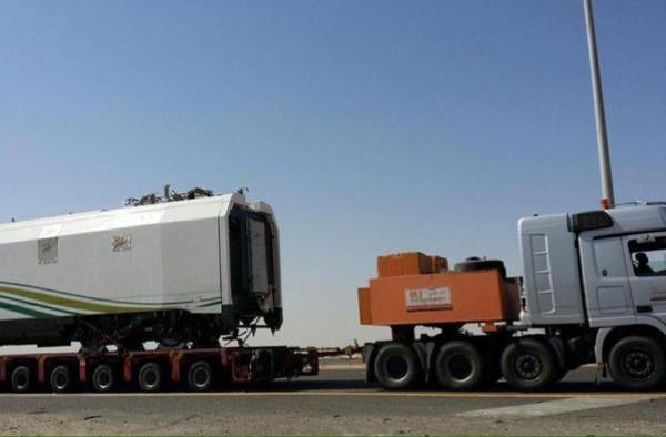 1-نقل-عربات-قطار-الحرمين-من-جدة-إلى-المدينة