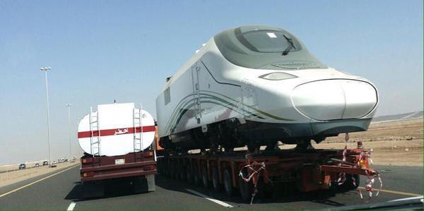 3-نقل-عربات-قطار-الحرمين-من-جدة-إلى-المدينة