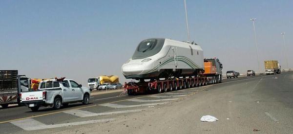 4-نقل-عربات-قطار-الحرمين-من-جدة-إلى-المدينة