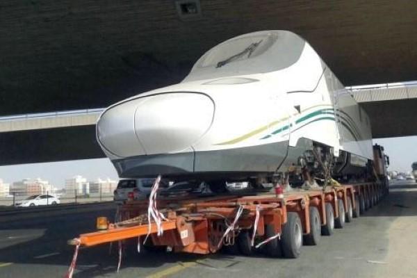 7-نقل-عربات-قطار-الحرمين-من-جدة-إلى-المدينة