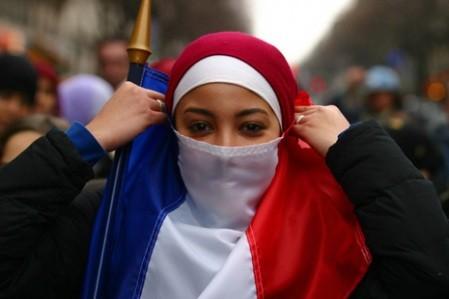 """اعتناق الاسلام يتضاعف بفرنسا بعد أحداث """"شارلي إيبدو"""""""